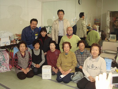 4月17日 岩沼市民会館の避難所を慰問
