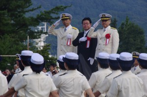 【海上保安学校】学生の行進の観閲