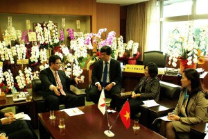 ベトナム建設省副大臣による西村副大臣への表敬訪問1