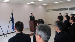 第七管区海上保安本部で激励する西村副大臣